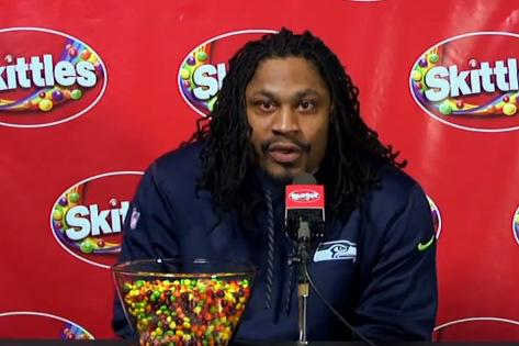 Marshawn Lynch stages mock press conference for Skittles on eve of #SuperBowl media day http://t.co/aRvwbAq8BG http://t.co/ixEkNMKDNu