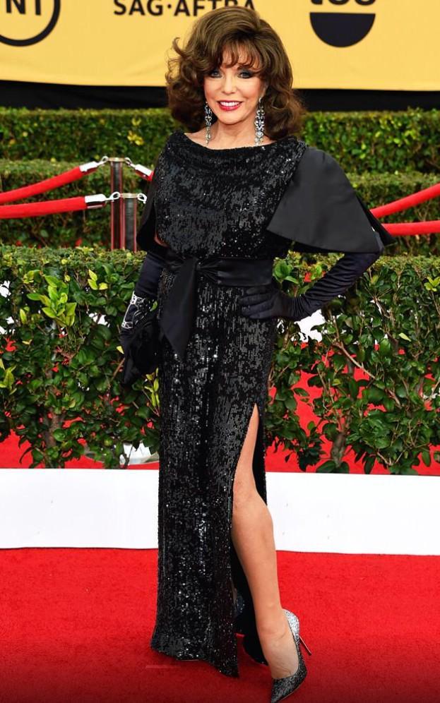 .@joancollinsobe Looking amazing last night, Mummy Dearest xxx #TheRoyals http://t.co/Z3qWUcHBTi