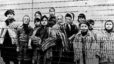 Never forget the innocent victims, the atrocities against humanity & never let it happen again #HolocaustMemorialDay http://t.co/T6EjXH227d