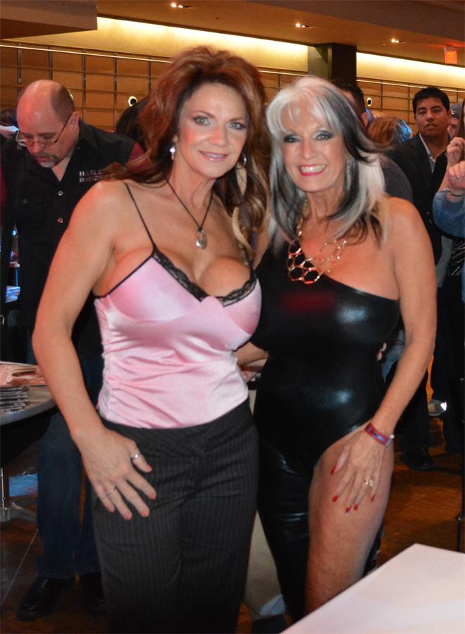 Huge pierced tits and lesbians
