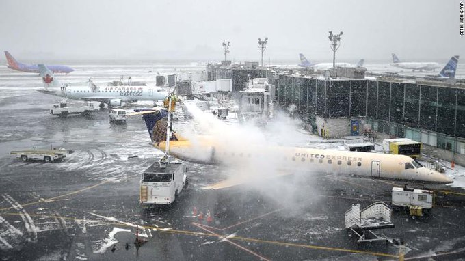 RT @TheLeadCNN: Airlines continue to cancel flights; impacts entire nation http://t.co/SxpSRNKc8B - @Rene_MarshCNN