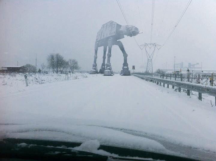 It's getting cold in Catalunya...❄️ RT @icomas: Breaking! Vigileu a la carretera. Vist a la B23 #MolinsdeRei #neurac1 http://t.co/dFrnYz3Rug