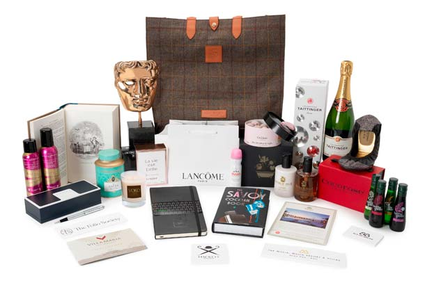 For a chance to win a BAFTA goodie bag, RT & follow @hellofashion_uk & @BAFTA! #HelloBAFTAs http://t.co/lf1aM0Syyv http://t.co/9D6ZkTjmO7