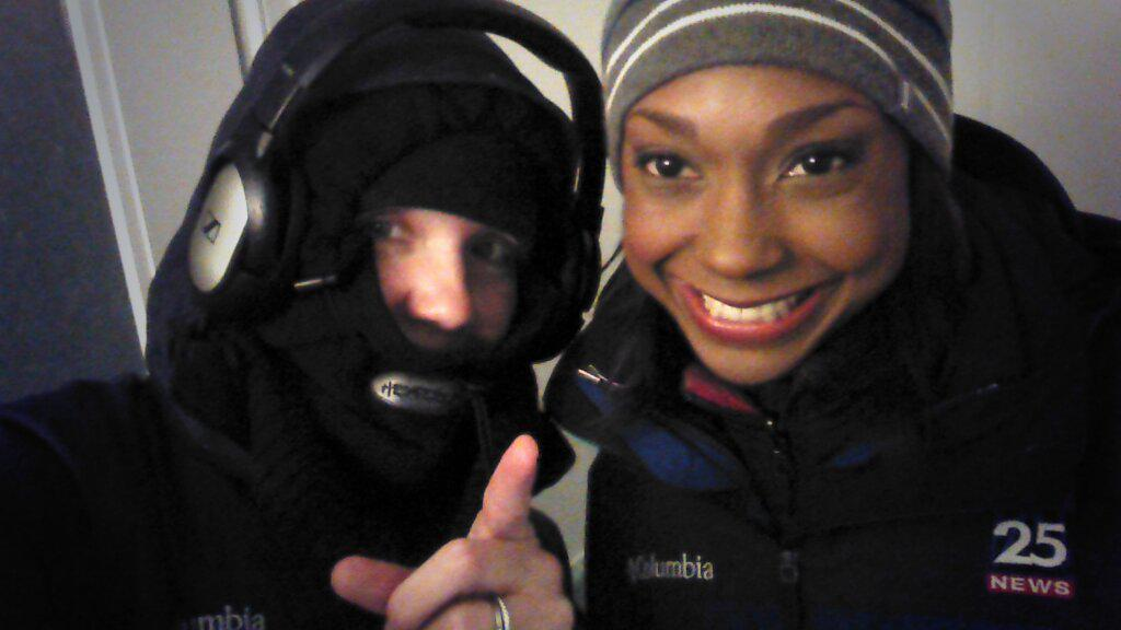 ONE liveshot left! Plum Island coverage is a wrap in less than :20. Thanks for watching! #fox25 #blizzardof2015 http://t.co/s0JDQ4T0Mq