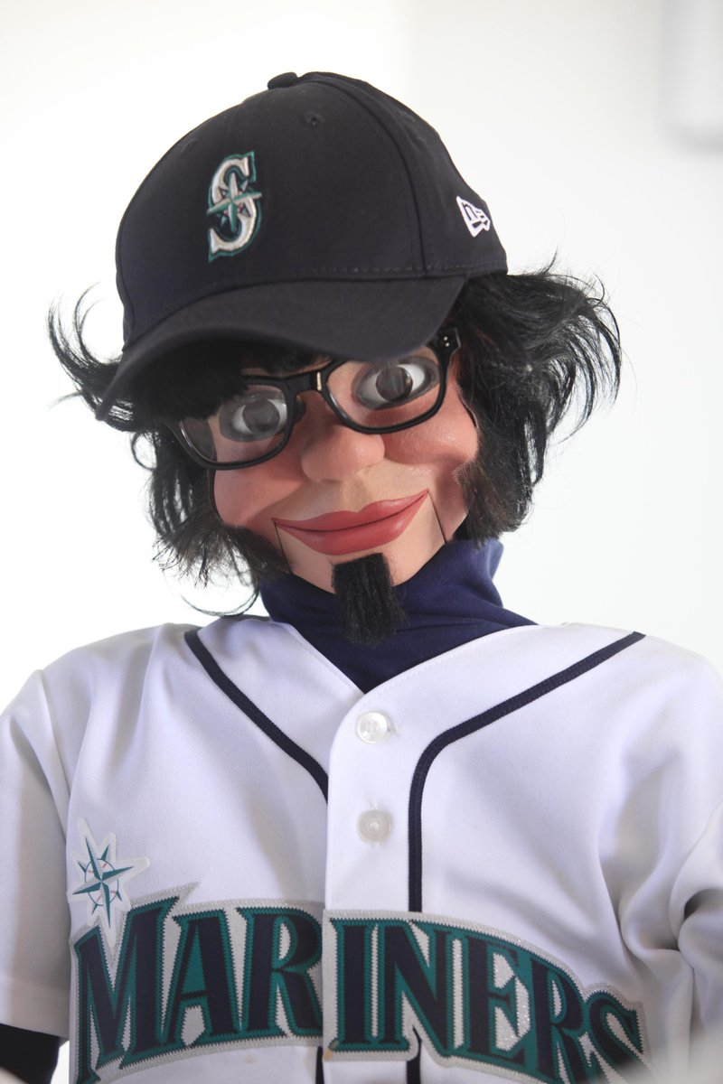 Sweet nightmares [@Mariners Goodnight, Chicago. Sweet dreams. #FelixHernandez #FaceOfMLB http://t.co/FO3OGj0jse]
