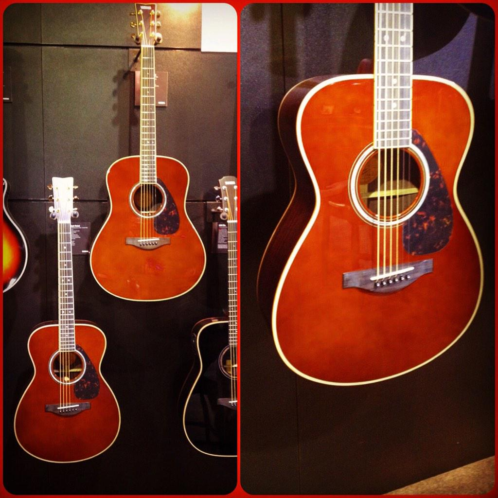 "New from #YamahaGuitars at Winter #NAMM2015 this stunning ""Dark Tint"" finish on the all solid #LSeries #ARE http://t.co/uvuHE5qfMI"