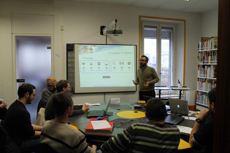 #Canopé08 #forumatice Comprendre et concevoir un premier MOOC, démystifier le concept par une définition partagée http://t.co/qCfKKIaS80