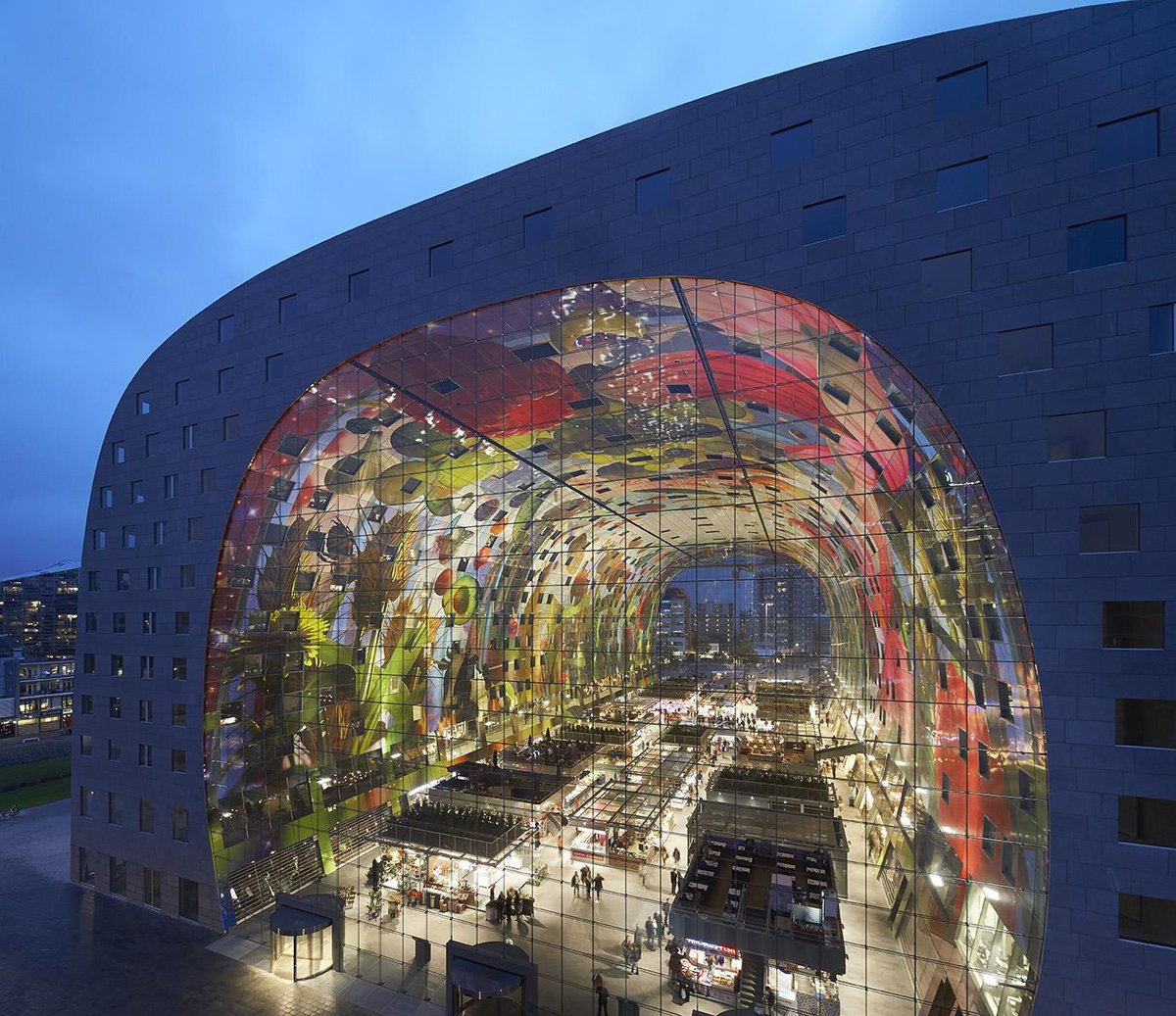 Markthal wins World Architecture News Mixed-Use Award 2014 for an 'original and effective' mix of different functions http://t.co/JCAZCm4DCL