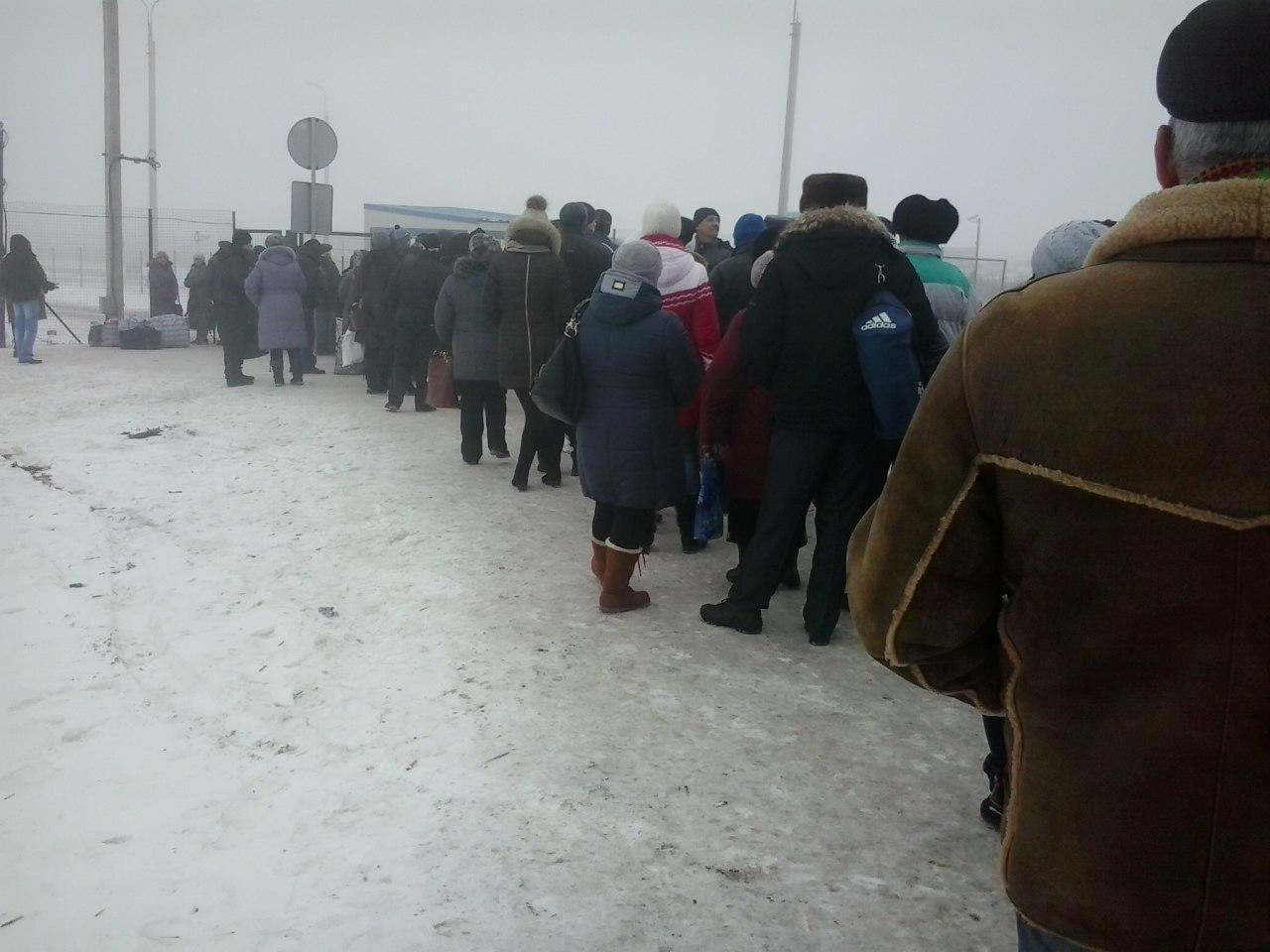 Украинская артиллерия плотно накрывает передовые ударные группы боевиков в районе Мариуполя. Противник прекратил атаки, - ИС - Цензор.НЕТ 9228