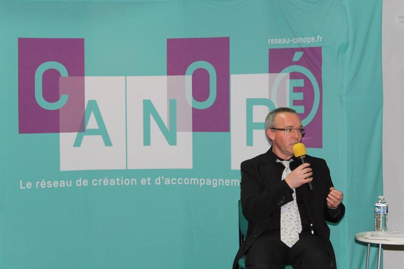 #Canopé08 #forumatice les #fondamentaux de @reseau_canope, un bon outil pour faire du lien avec les parents http://t.co/tk1ARllndo