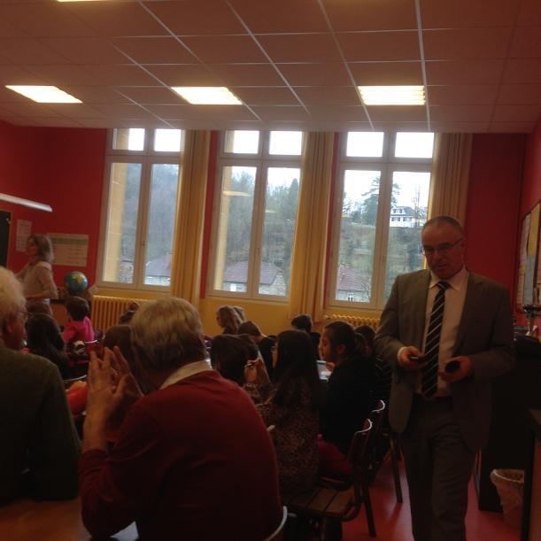 @GillesPETIT1 merci pour les visites de classes ardennaises. #forumatice le TNI et les fondamentaux  à Monthermé. http://t.co/ns4N7pwIN7