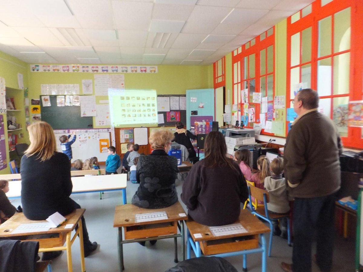 #forumatice Olizy-Primat : Mme Thubé et ses élèves ont fait une démonstration de leurs usages du numérique en classe http://t.co/DH5G4sqw5P