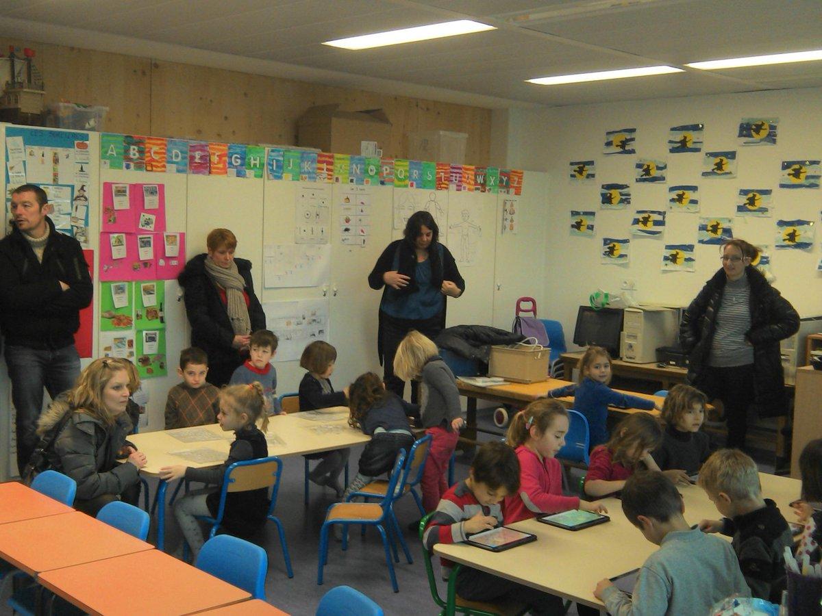 #forumatice Attigny : TNi, tablettes et classe mobile à l'honneur dans les classes ayant reçu des parents d'élèves http://t.co/Ox00eUAiUy