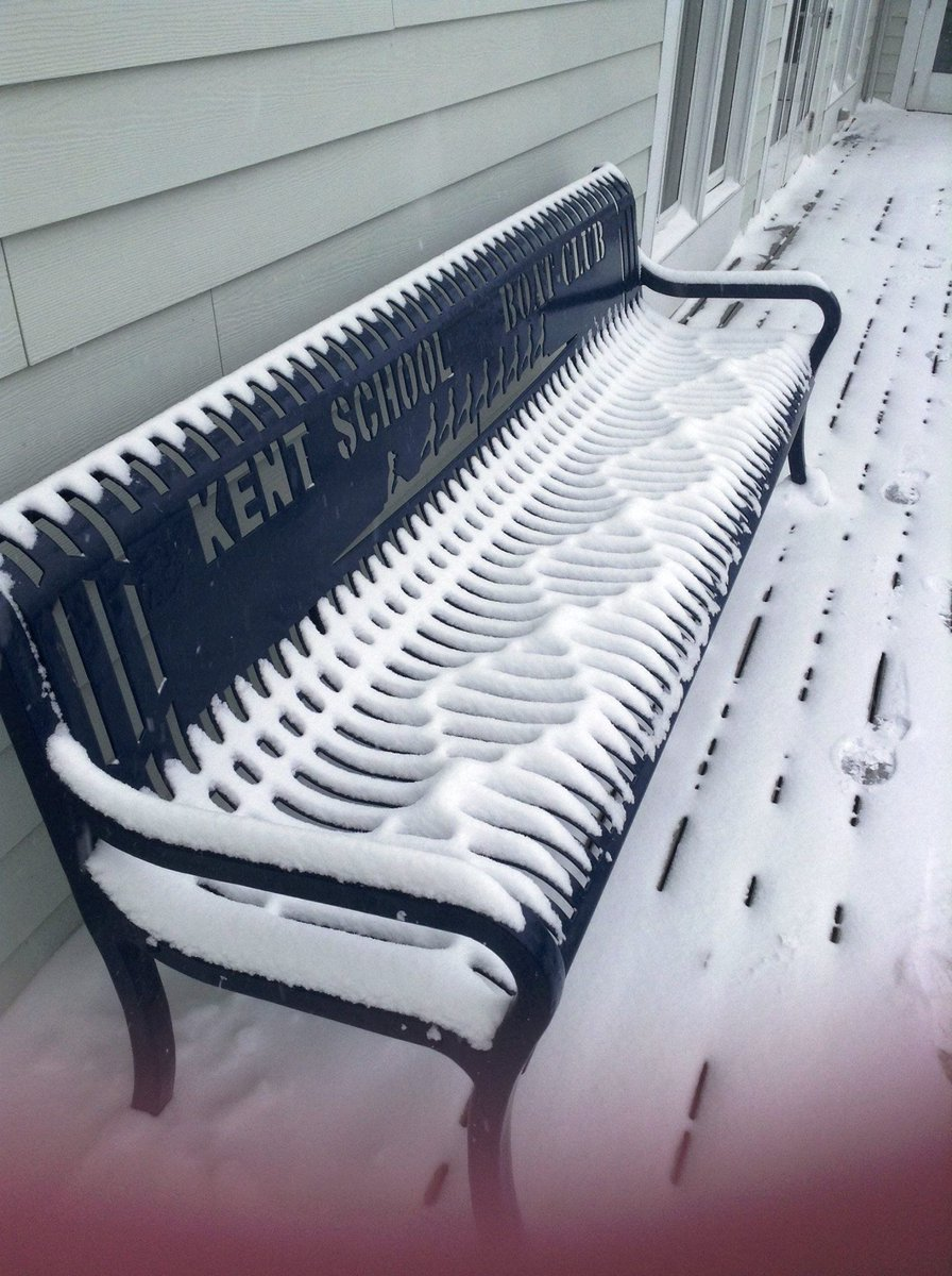 Best blizzard pic so far, a wind-induced double helix. (via @reddit) http://t.co/aJCWiWHvO8