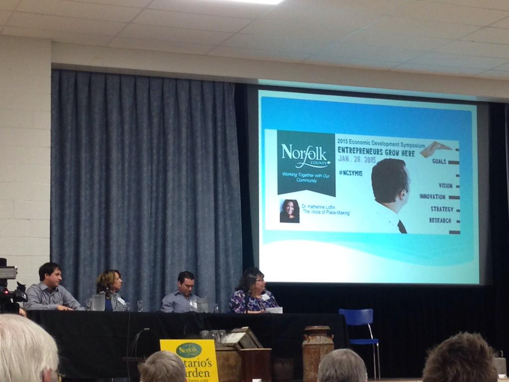 Our friend Ryan, owner of @Fotaflo, on panel called Entreprenuers Grow Here at #NCSym15! #clicksharegrow pic.twitter.com/dNuA4vn22M