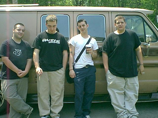 This is the 1st photo of the original Bayside lineup at Nada Recording Studios in Newburgh, NY, 2001. #BaysideTurns15 http://t.co/pDBaKbUWzR