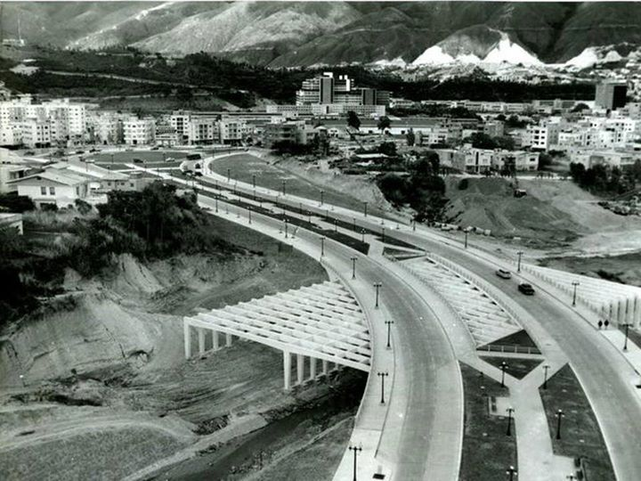 la epoca dorada de Venezuela: durante el Gobierno del General Marcos Pèrez Jimènez B8eh4OiIMAA3ZKA