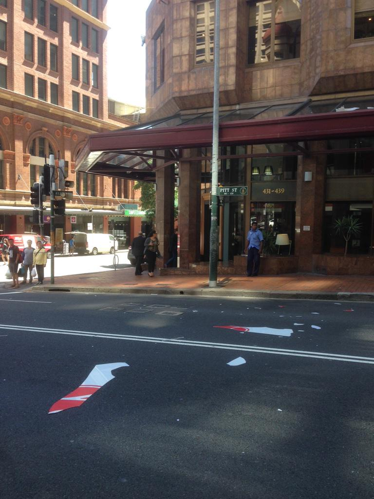 Part of the Metro Hotel Sydney Central sign have crashed onto Pitt Street. Falling about 30 metres. #breakingnews http://t.co/Rp0V7reAfc