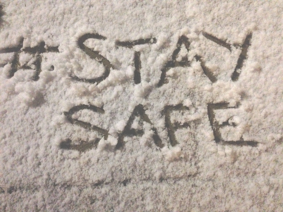 Brrrr it's cold! Lots of snow about the country, so if you're heading out remember to #StaySafe http://t.co/sEfZACPlgw
