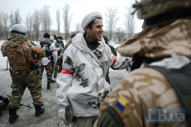 Ситуация на Донбассе остается крайне напряженной. Наши воины сдерживают атаки по всей линии фронта, - Порошенко - Цензор.НЕТ 9707
