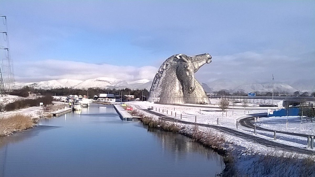 It's a snowy morning over at the #Kelpies. http://t.co/30OArfdv00