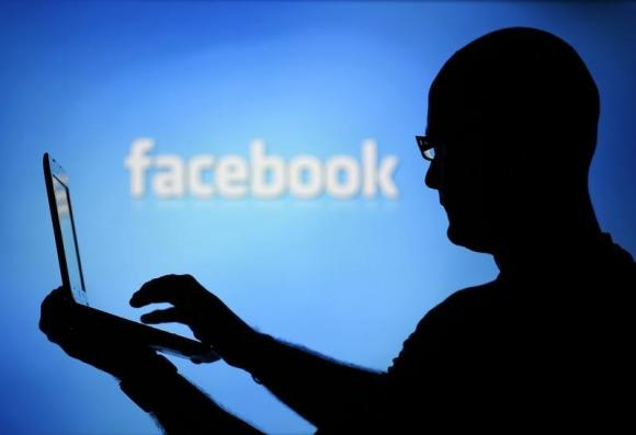 Facebook to sell real-time Super Bowl ads, taking on Twitter http://t.co/QYT9RK1HFN http://t.co/Fm7mB852aE
