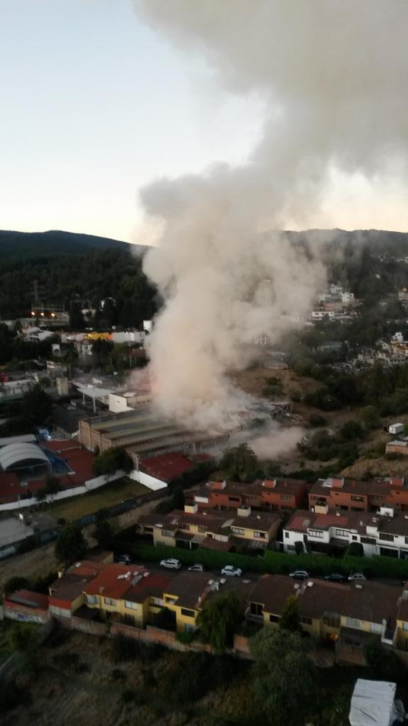 @CarlosLoret acaba de suceder una explosión en Contadero - Cuajimalpa http://t.co/nZ2FdlILT5