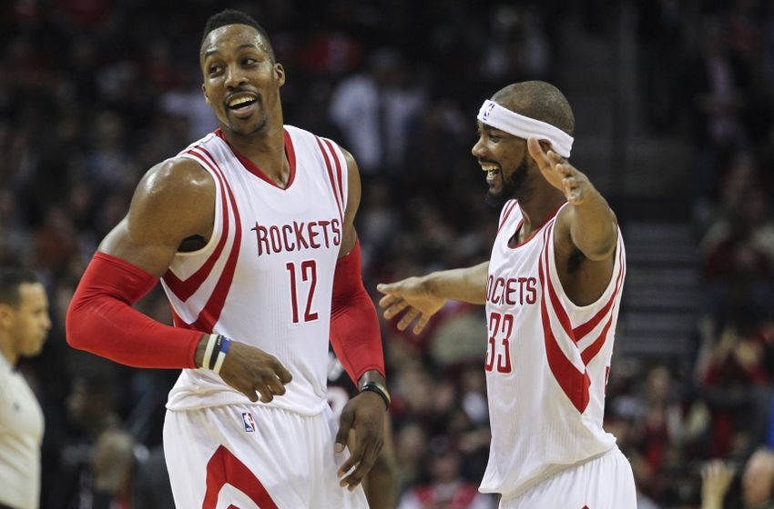 Get well soon, @DwightHoward. I'd give you a hug, but clearly you're not about it!!! LOL. #RedNation #TBT http://t.co/fmNQtU5uhf