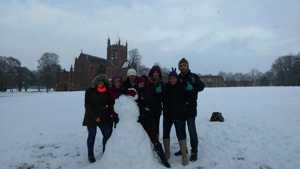 Postgraduate students enjoying snow at @DumfriesCampus #UofGwinter @GlasgowUni http://t.co/GtXZU9MXF3
