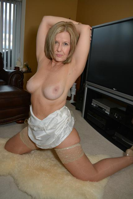southern-charms-just-me-naked