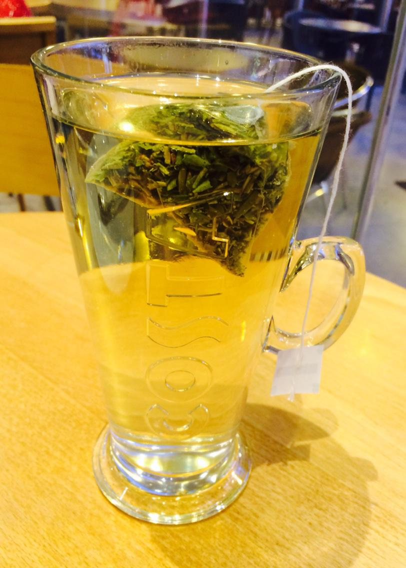 Green Tea! ☕️ 3 of these a day! 👌 #healthyoption http://t.co/rimZGLbADA