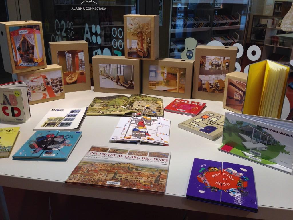Selecció de llibres d'arquitectura per infants #espaisbiblios @martaroigpages comencem! http://t.co/SHNPtIF1XD