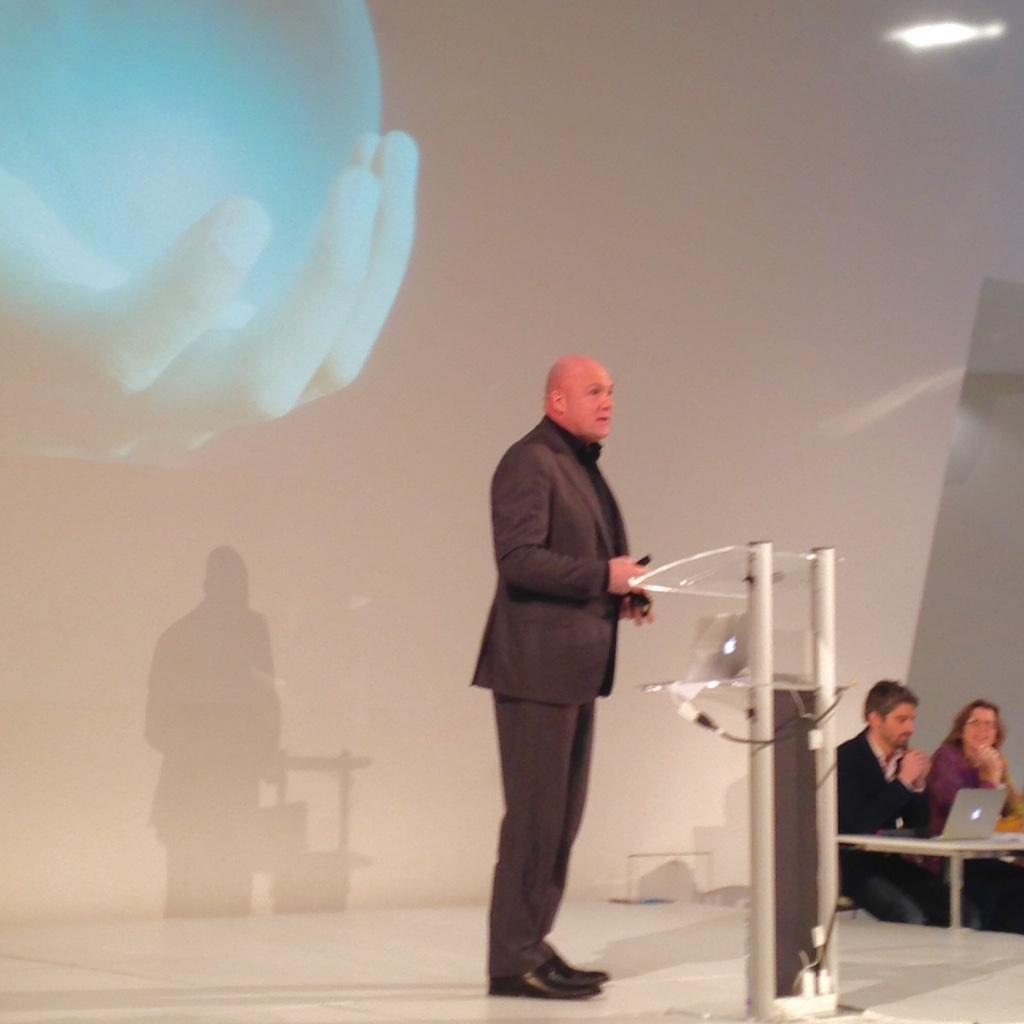 "#TechandSociety André Kuipers: ""it's very difficult to predict the future"" http://t.co/bHDnMXBEGl"