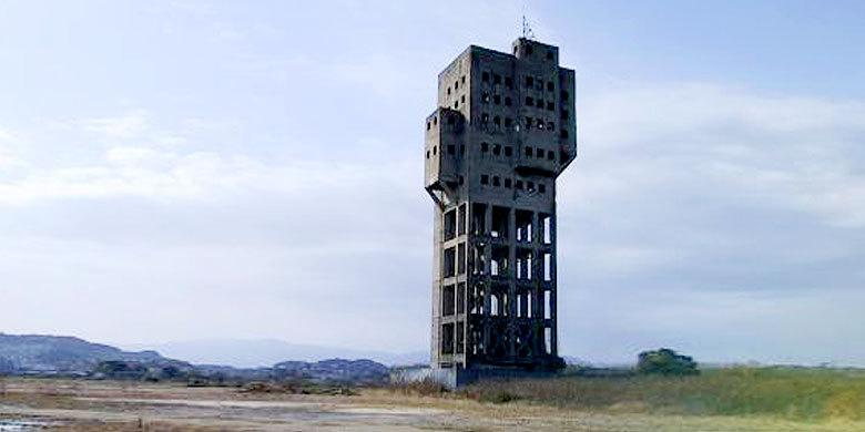 25 Abandoned Futuristic Monuments That Look Like They're From A Zombie Apocalypse http://t.co/7kDBJVQzqx http://t.co/gEFx5LwGTy