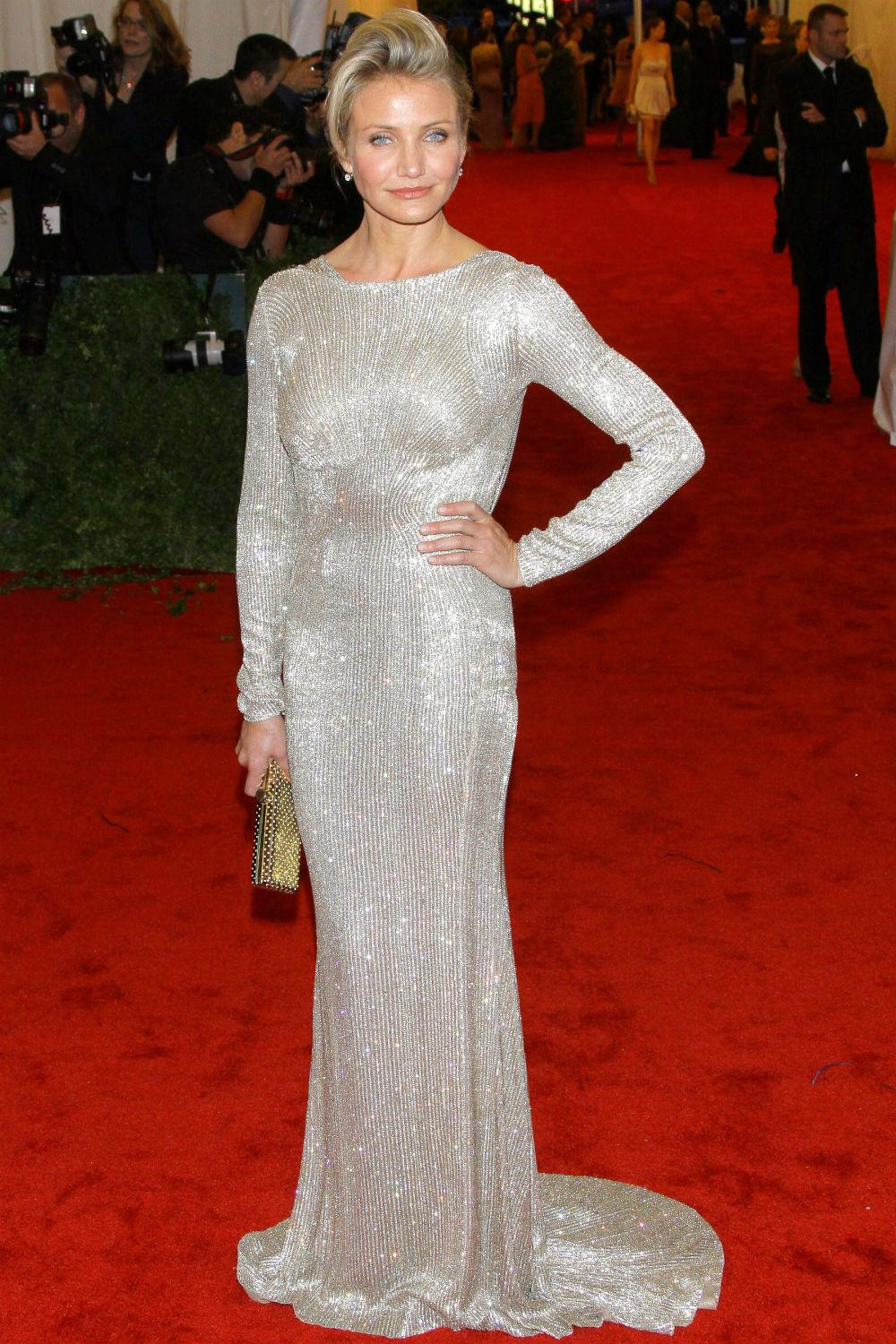 All the ways @CameronDiaz ever owned the red carpet http://t.co/Tdc81C3cPP http://t.co/rc6gzIaXsv