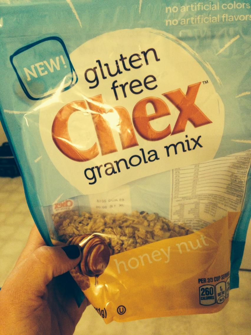 If you're wondering about the new #glutenfree @ChexCereal granola--- it is WONDERFUL. I can't stop munching!! http://t.co/iANmyWysoM