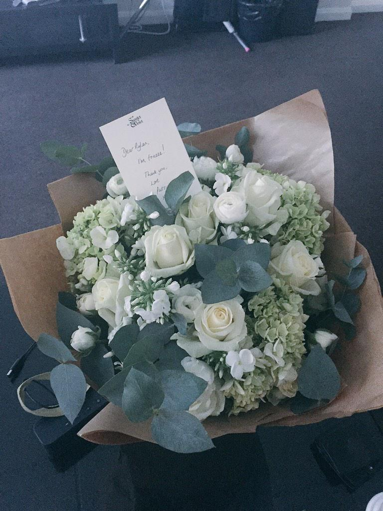 What a beautiful gesture. Thank you @patsy_kensit so lovely of you xxx http://t.co/UCdrPrydqa