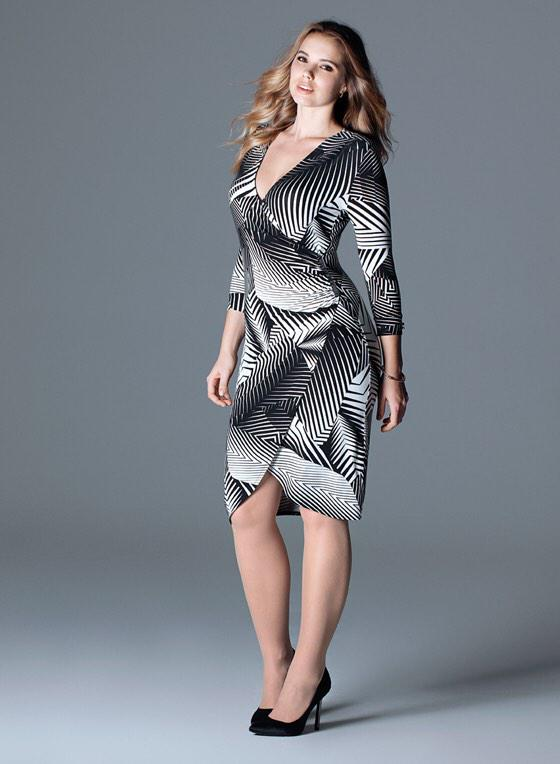 Curvaceous wrap. Show off your figure with the security and comfort of clever panelling, soft drapes and clean lines http://t.co/QgarvipDZP