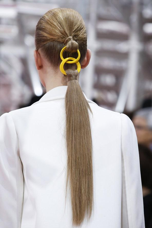 The @dior #couture ponytail turned heads this week - would you wear it? http://t.co/ohLTPwKXlx http://t.co/odA8EaiFmL