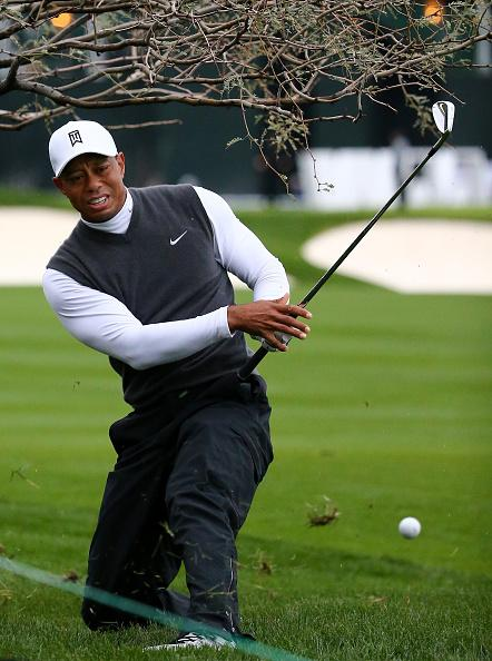 Tiger's opening-nine stats:  Scrambling: 1/6 Fairways: 3/7 Greens: 3/9 Putts: 14  8-over 44 http://t.co/XPcG8qnc7R