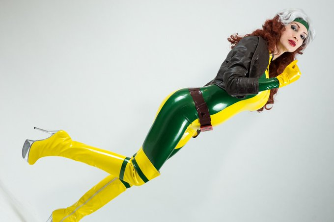 My last preview of the #Rogue #cosplay photoshoot,if you ever want more,go on http://t.co/QiY2xtXPGI