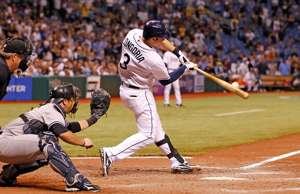 Here's the deal: If this reaches 1,000 retweets for #FaceOfMLB #EvanLongoria, someone scores a pair of Flex Packs! http://t.co/wZYIgQHmrw
