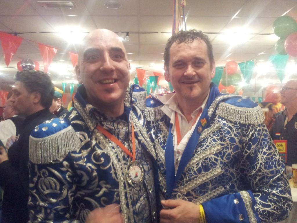 Winnaar LVK 2015 : Spik en Span - Es vastelaovend Limburg bênne vêlt http://t.co/eReUVkCP0S #LVK2015 @NiekDirkx #VL15 http://t.co/QaBYMbKWhj