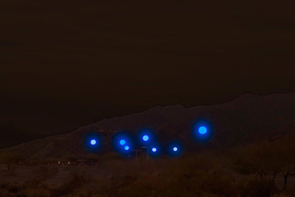 RT @pepsi: Something mysterious is happening in the sky above Phoenix... http://t.co/bltWBYxmtS
