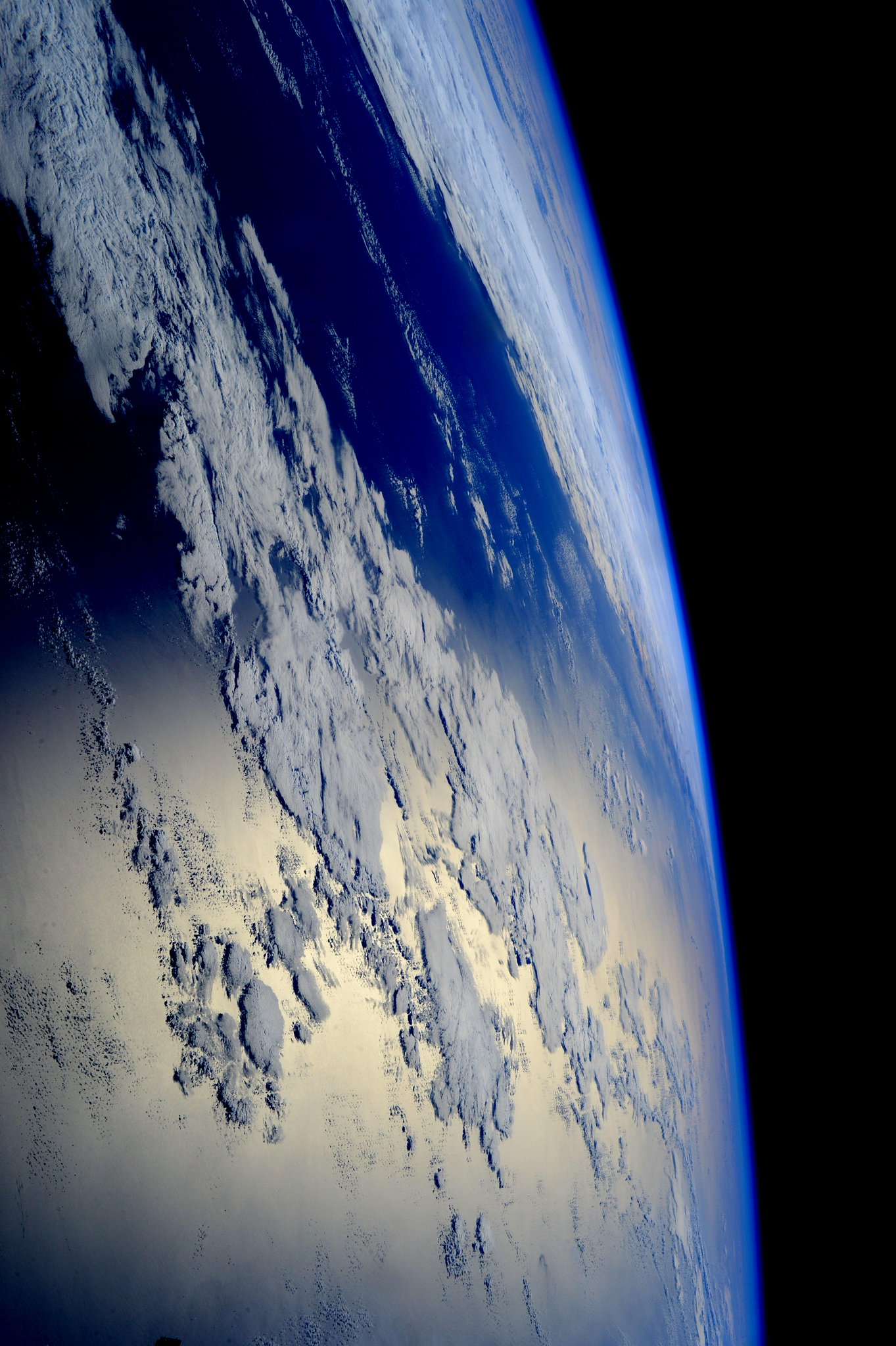 "Samantha Cristoforetti on Twitter: ""Good night from #space ..."