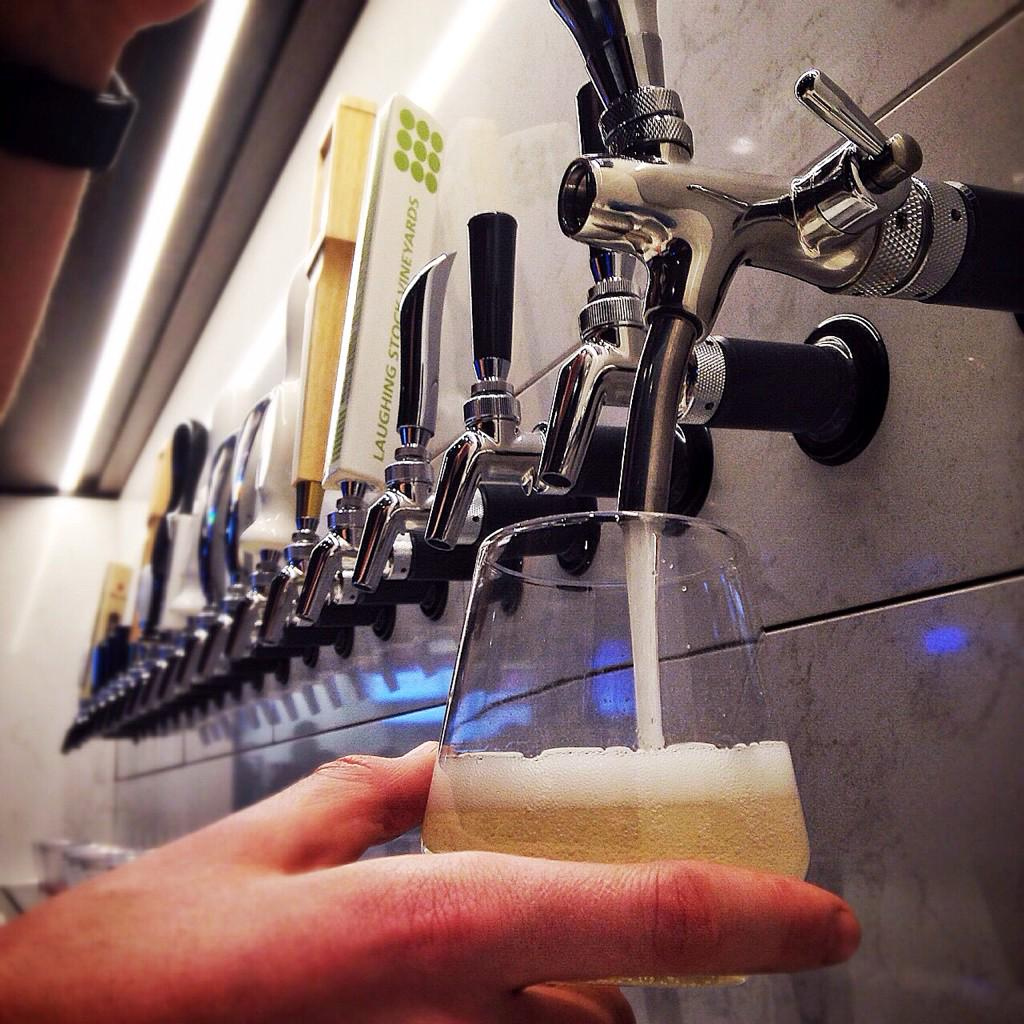 Draft Prosecco - new to @RogersArena concourse at section 101 West Tower Wine Bar @VanCanucks #canucks #wine http://t.co/9Sgy47ppQ0