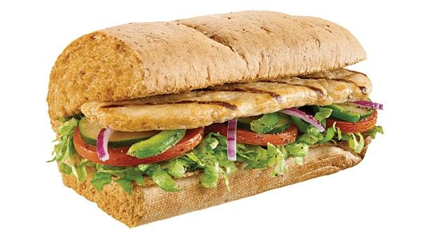 مشوي Twitterissa ساندويش 6 انش دجاج مشوي من صب واي يحتوي على 320 سعرة حرارية و47 قرام كاربوهيدرات و23 قرام بروتين و5 قرام دهون مشوي Http T Co Hf7jerkbgz