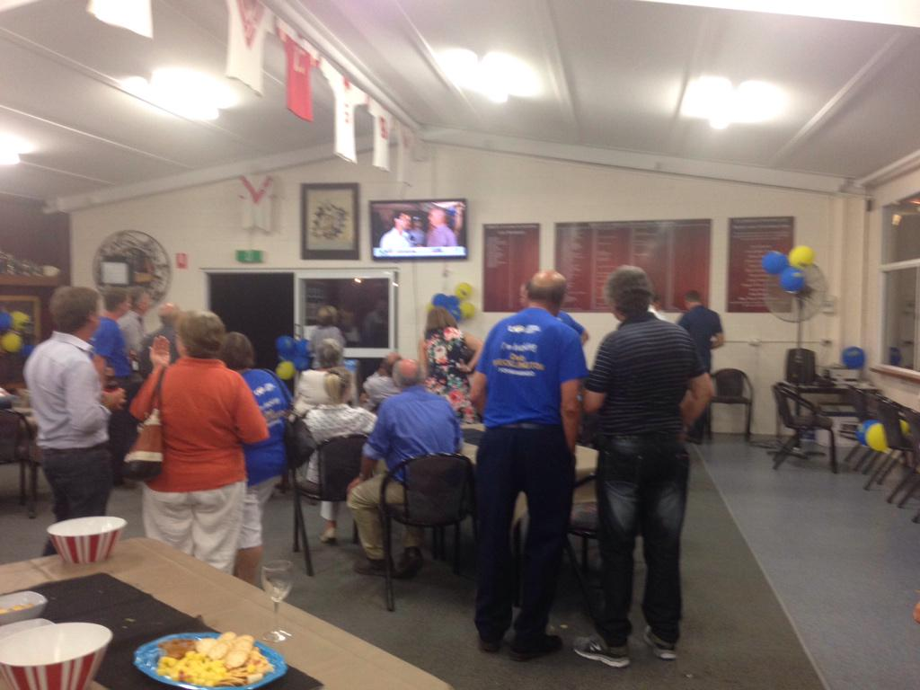 Bittersweet with LNP supporters in Kingaroy. @DebFrecklington retains her seat but possibly loses govt #APNQldvotes http://t.co/LG2ON8oz3I