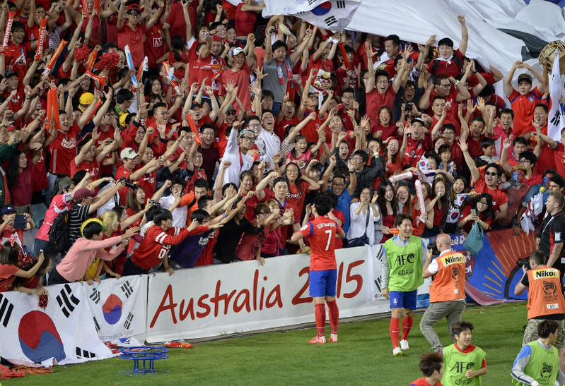 I love this pic♡♡♡ #AsianCupFinal #korea #Son http://t.co/8I6KecpRLN