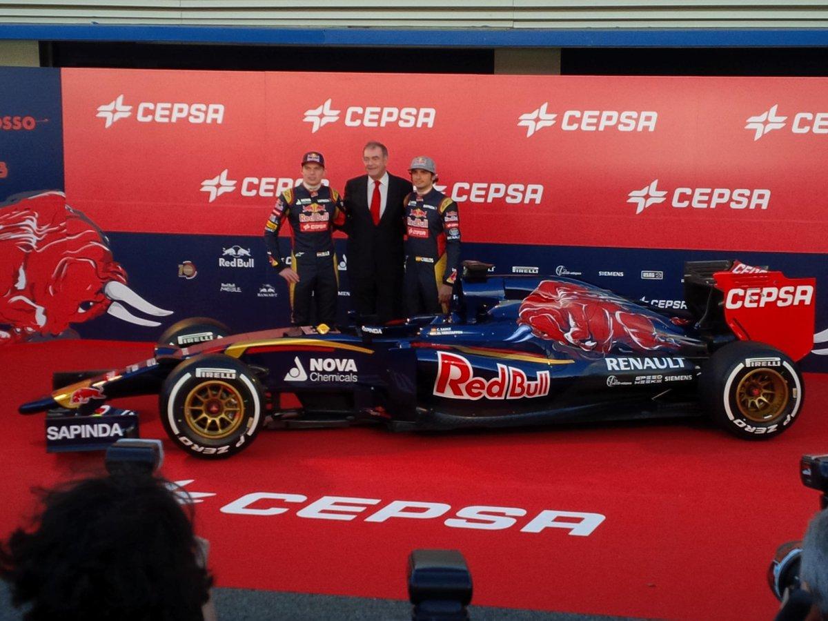 Présentation des F1 2015  B8sOa_OCIAADddf